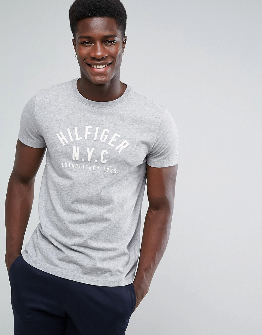 Tommy Hilfiger Chase Large Logo T-shirt in Grey - Grey