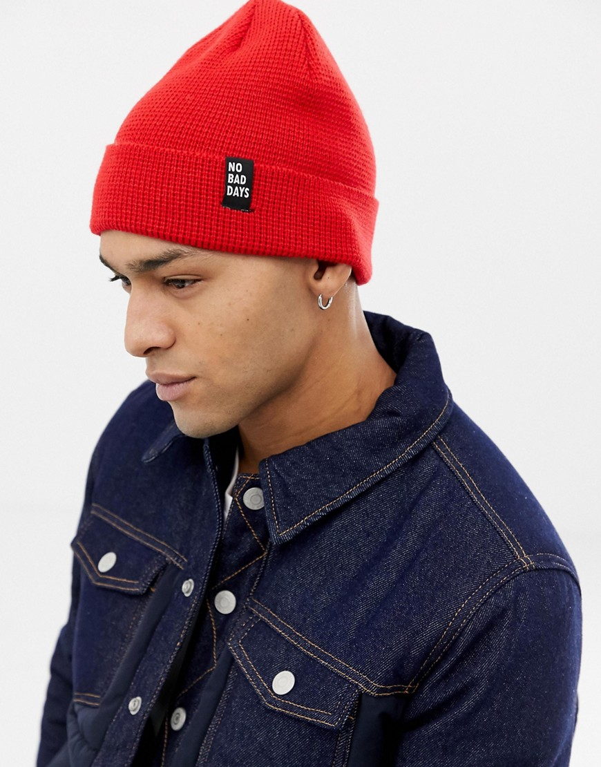 Bershka knitted beanie hat in red - Red