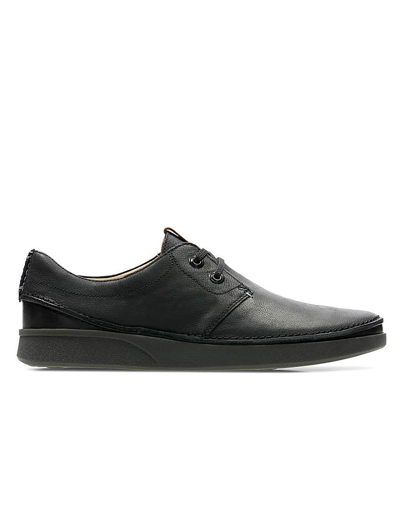 Clarks Oakland Lace Standard Fitting